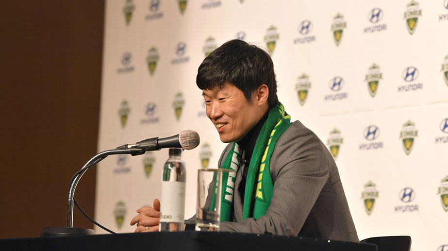 Legend Park Ji-sung Signs with Jeonbuk as Adviser